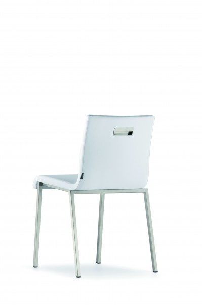 Stuhl KUADRA XL SOFT aus Kunstleder